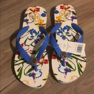 Cute Tory Burch flipflops!
